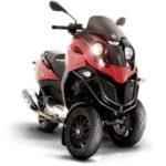 b30f6eb111bdf418dc7ee2ee2f5753d6--piaggio-scooter-vespa-scooter